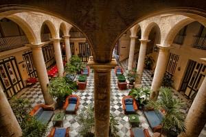 Florida-Hotel-lobby-Havana-Cuba