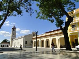 Vista exterior de la Catedral de Bayamo